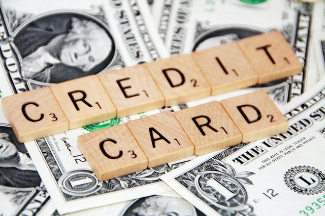 6355848263 ec76191cdb z 18歳〜22歳、学生がクレジットカードを作る上で知っておいて欲しいこと